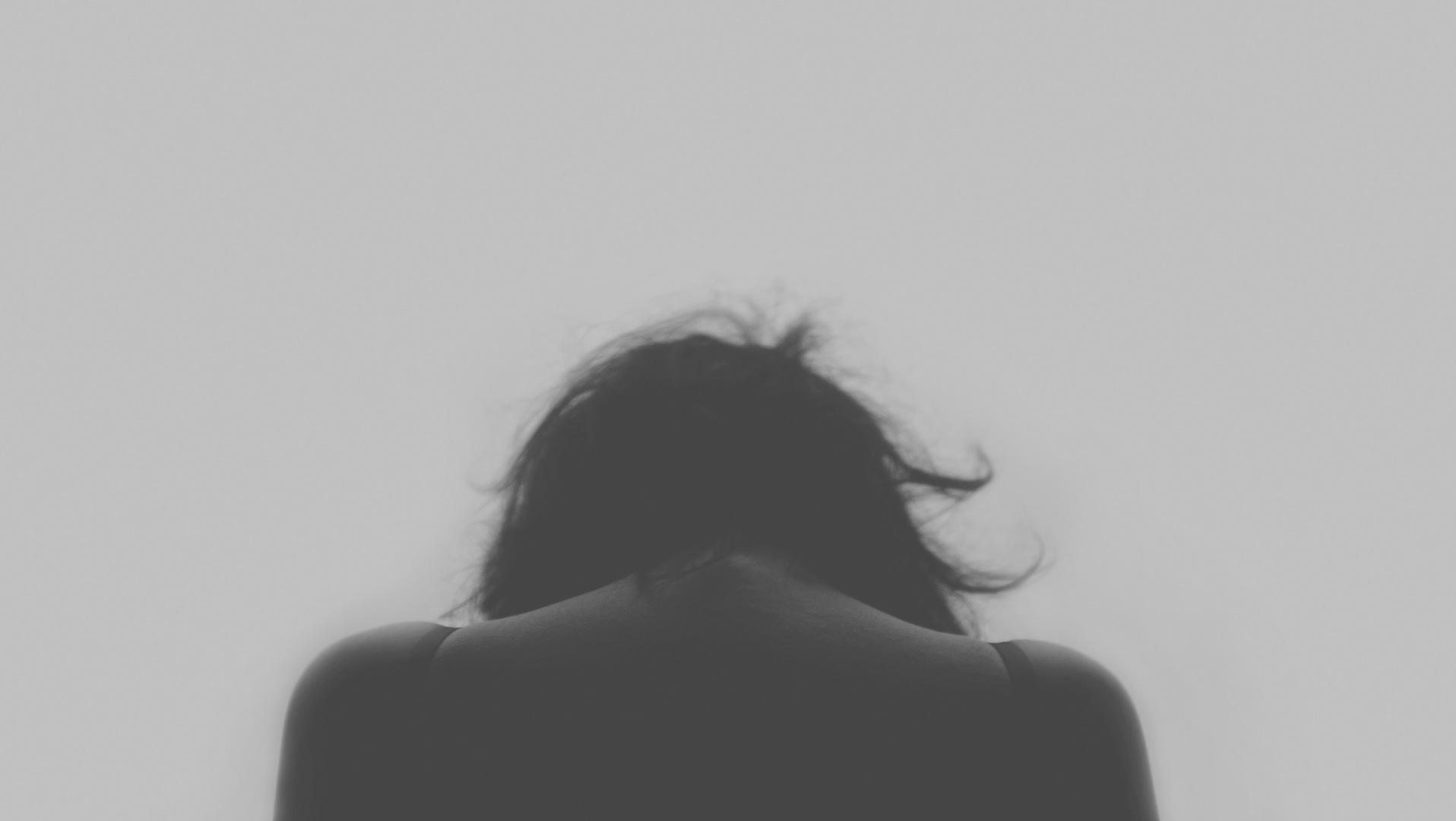 Teil 1: Die 4 Hauptgründe warum 99% aller Menschen körperliche oder seelische Schmerzen haben